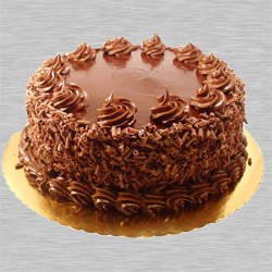 Mouth-watering Eggless Chocolate Cake to Aurangabad