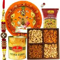 Arresting Moments of Togetherness Rakhi Hamper