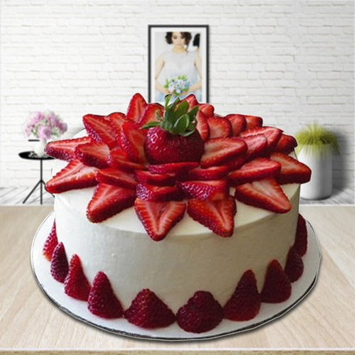 Gift Online Strawberry Cake