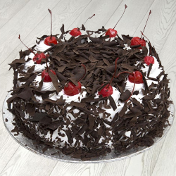Tender Temptation 1/2 Kg Eggless Black Forest Cake