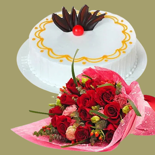 Buy Online Red Roses Bouquet N Vanilla Cake