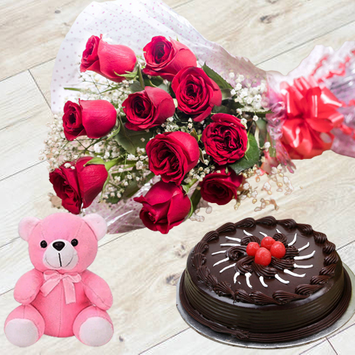 Gift Red Roses Bouquet with Chocolaty Truffle Cake n Small Teddy Online