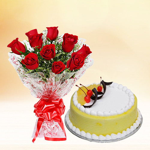 Send Red Roses Bouquet with Pineapple Cake Online