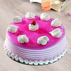 Delectable Strawberry Cake