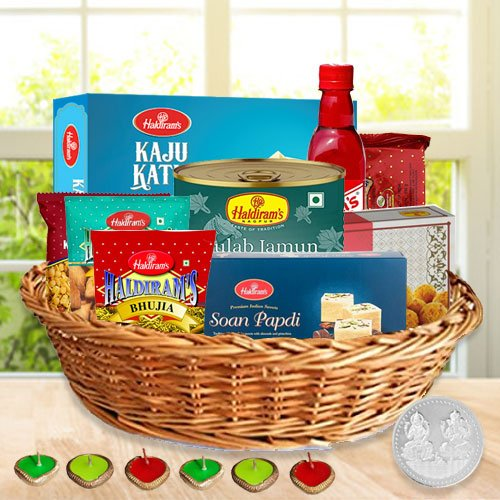 Amazing Diwali Hamper with Festive Flavour