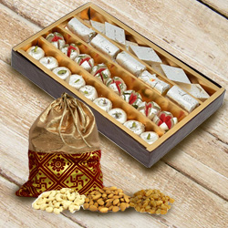 Delectable Combo of Assorted Haldiram Sweets N Dry Fruits