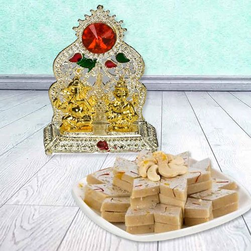Ganesh Laxmi with Golden Finish N Haldirams Kaju Katli