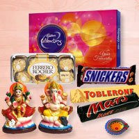 An exclusive choco hamper with idols