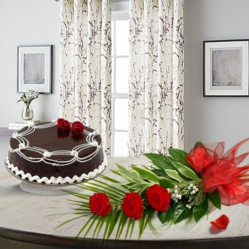 Chocolate Cake N Red Roses Bunch