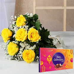 Adorable Yellow Rose Hand Bunch and Cadb