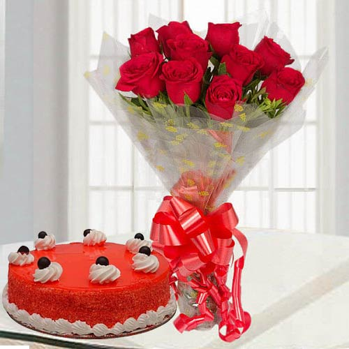 Book Red Roses Bouquet N Red Velvet Cake Online