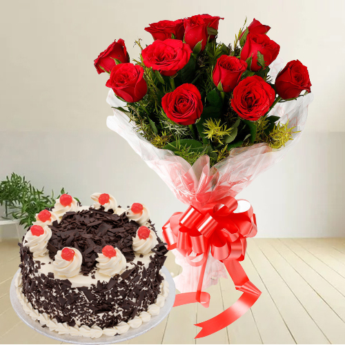 Book Online Black Forest Cake N Red Roses Bouquet