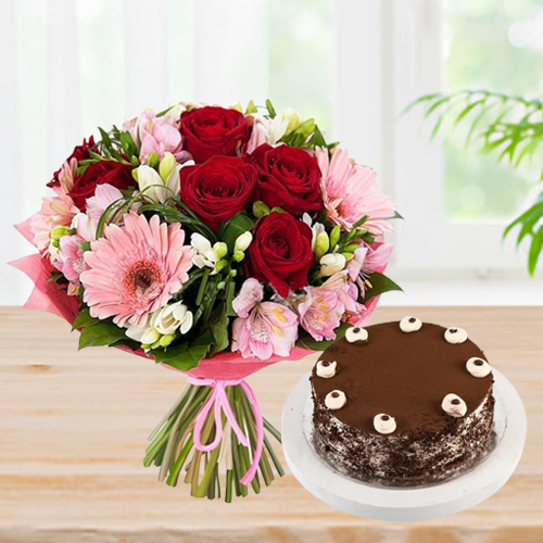 Deliver Online Coffee Cake with Mixed Flowers Bouquet