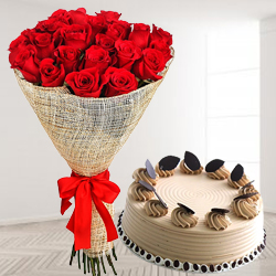 Smart Combo of Red Roses Arrangement N Coffee Cake