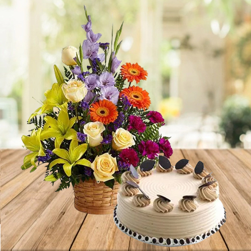 Sumptuous Coffee Cake with Mixed Flowers Arrangement <br>