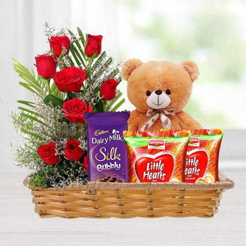Online Gift Basket of Love Gifts N Red Roses