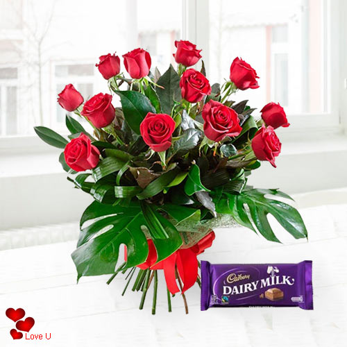Valentines Day Surprise Roses N Chocolate Combo