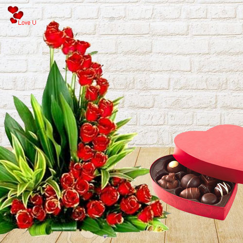 Combo Gift of Red Roses N Heart Shape Chocolate Box for V-Day