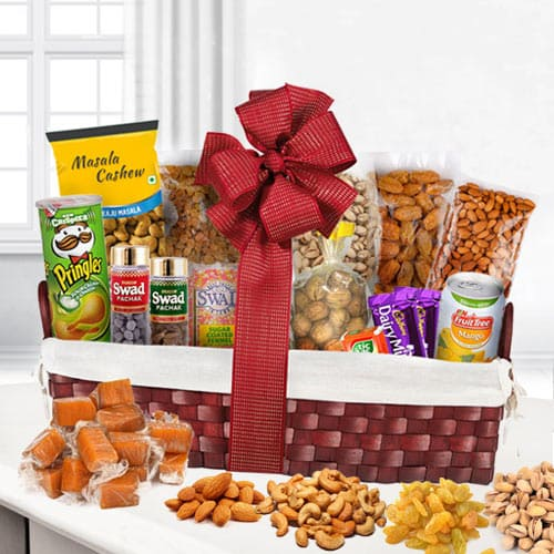 Indulgence�s Cuddle Dry Fruits Assortment