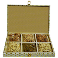 Healthy Dry Fruit Gift Box