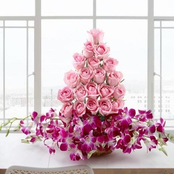 Mind-Blowing Arrangement of Roses and Orchids with Love