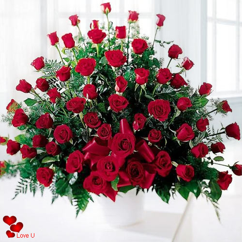 Send Rose Day Arrangement of Dutch Red Roses