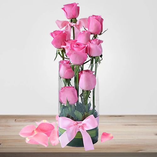 Charming Presentation of Roses in a Vase