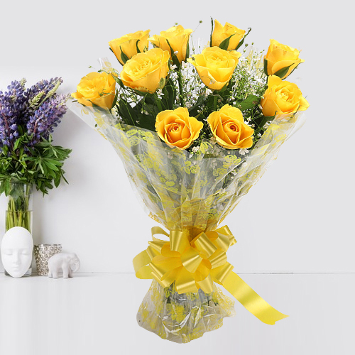 Touching With All My Heart Twelve Yellow Roses Bouquet