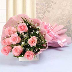 Eye-Catching Assemble of Pink Color Roses in Bouquet