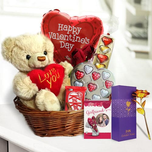 Adorable Valentine Gift of Teddy Roses N Chocolates<br>
