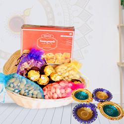 Yummy Dry Fruit Basket with Soan Papdi and Ferrero Rocher<br>