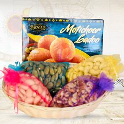 Tempting Collection of Assorted Dry-fruits with Sweets
